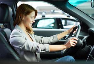 girl-driving